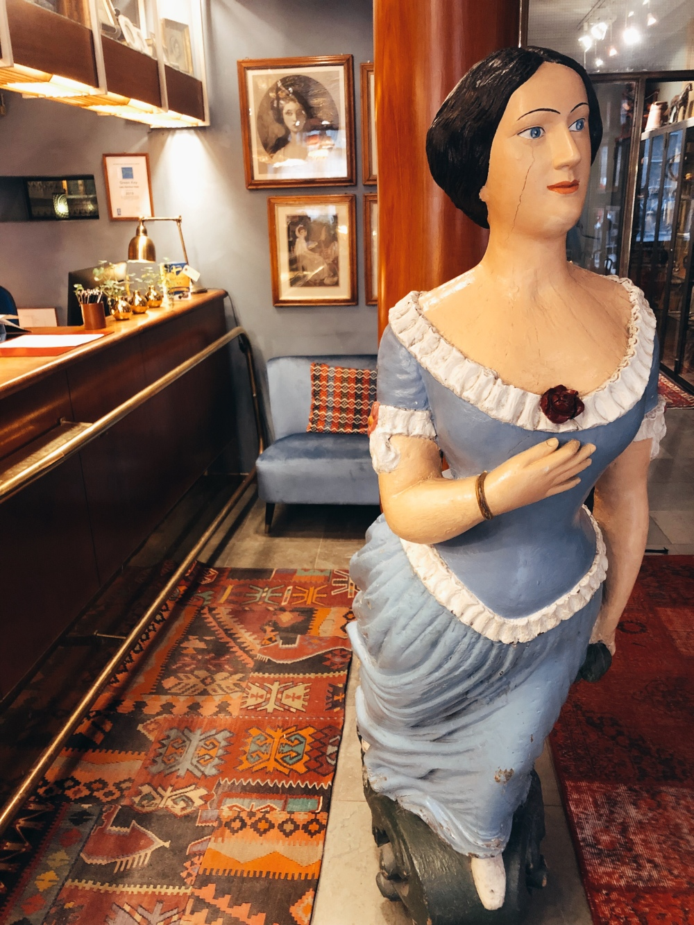 A replica of Emma Hamilton in the hotel's reception